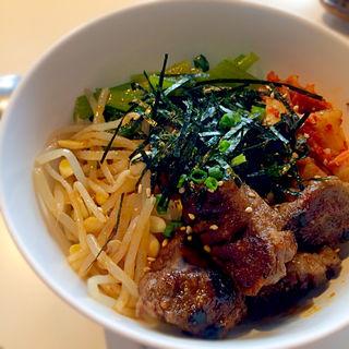 カルビビビンバ丼(焼肉 六区)