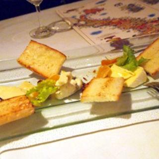 イタリアンチーズの3種盛り合わせ(ラ ノッテビアンカ (La Notte Bianca))