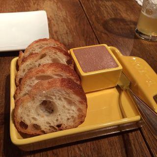フォアグラと鶏白レバーのパテ(アジルジョーヌ)