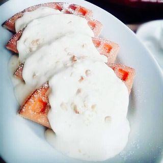 檸檬とマスカルポーネ チーズクリームのワッフル(マザーリーフ 神戸鈴蘭台店 (MotherLeaf ))