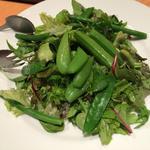 色々リーフと青豆のサラダ