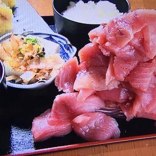まぐろ盛り過ぎ定食(豊丸食堂 京橋OBP店 )