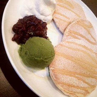 北海道産あずきと福岡産八女茶アイスのパンケーキ ドリンクセット(九州パンケーキカフェ)