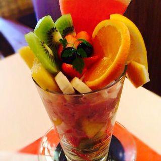 季節のフルーツパフェ(Fruit Cafe Saita!Saita! (フルーツカフェ サイタサイタ))