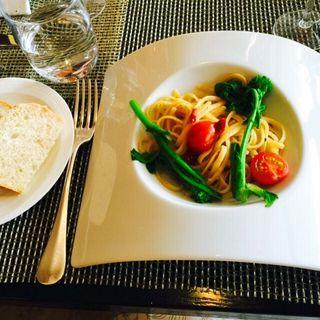 菜の花とドライトマトのリングイネパスタ(日航ホテルタロンガ)