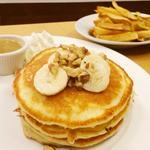 パンケーキwithメープルバター バナナとくるみ(クリントン・ストリート・ベイキング・カンパニー (CLINTON ST. BAKING COMPANY & RESTAURANT))