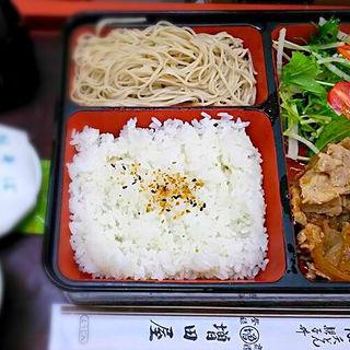 生姜焼きと蕎麦のセット(松右ェ門)
