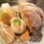 クレープセット(【季節限定】フルーツとレモンチーズクリームのミルクレープタルト)(クレープリー 京都シャンデレール )
