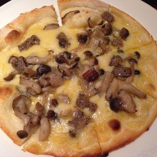 きのこのピザ(モナリザン)