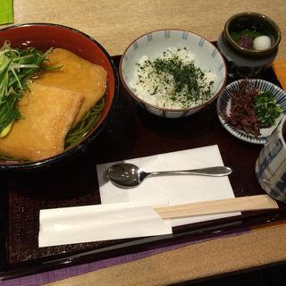 きつね抹茶うどんセット(中村藤吉京都駅店)