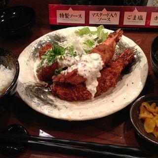 大人気!チキン南蛮と海老フライ定食(串揚げ 咲くら 大阪マルビル店 (さくら))