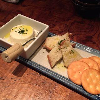 手造りチーズ豆腐(BISTRO DE まいど)