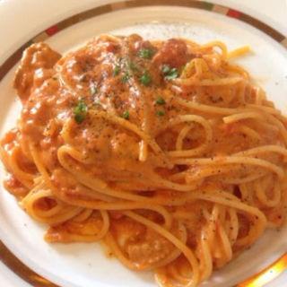 ウニとトマトのパスタ(ヴェッキオアルベロ (VecchioAlbero))