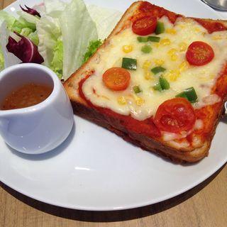 ピザトーストランチ(アトリエ カフェ キラリト ギンザ (ATELIER CAFE))
