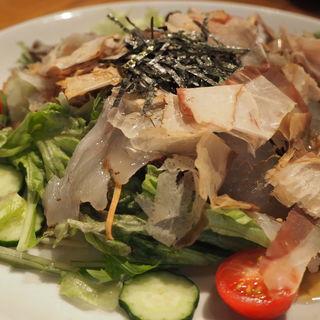 平目のサラダ(魚旬 浜松町店 (ウオシュン))