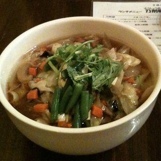 野菜たっぷり五目刀削麺(刀削麺酒家 茅場町店 (トウショウメンシュカ))