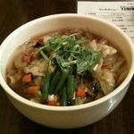 野菜たっぷり五目刀削麺
