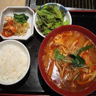カルビうどん定食(慶州苑 (ケイシュウエン))