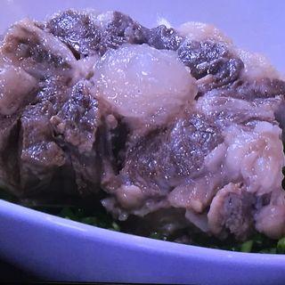 牛テール蒸し(焼肉ホルモン・牛テール料理 あにき )