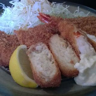 ヘレミックス定食(カニコロッケ海老フライチョイス)(とん亭 )