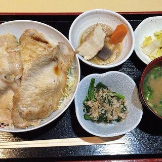 豚丼定食(ピポタマス )