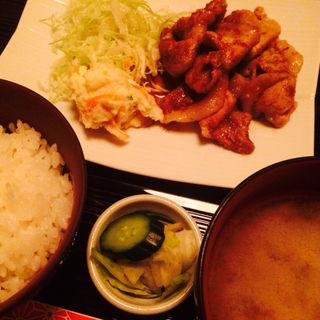 イベリコ豚生姜焼き(青山 彩 )