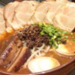 デラックス担担麺 (大盛)(CHINESE 青菜 あみプレミアムアウトレット店 (チャイニーズチンツァイ))