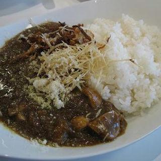 マッシュルームと挽肉のカレー(8HOTEL)