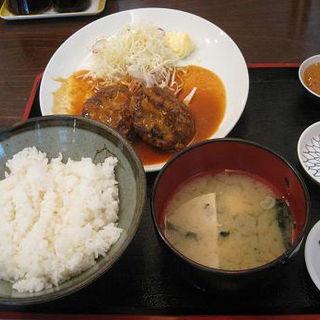 煮込みハンバーグ定食(めしや55 川崎)