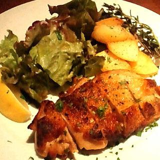 地鶏のオーブン焼き ローストポテト(OSTERIA Gogh)