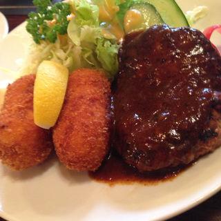 カニクリームとハンバーグ(ファミリーレストラン五十番 )