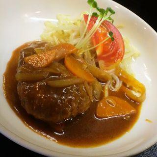 煮込みハンバーグ定食(津国屋)