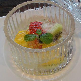 季節の果物 クアントローゼリー掛け(なだ万 汐留47 (【旧店名】ジパング カレッタ汐留店))