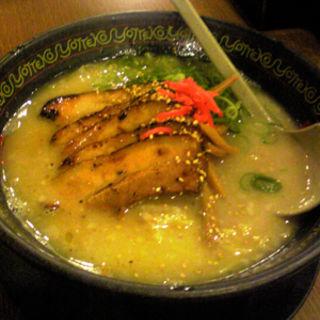 白とんこつチャーシュー麺(よってこや 恵比寿本店 )