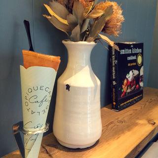 エシレ村産のバタークレープ ジェラートトッピング(ジェラート ピケ カフェ クレープリー ルミネ池袋 (gelato pique cafe creperie))