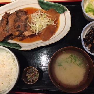 煮魚定食(魚治 (UOHARU))