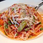 季節野菜のトマトソースパスタ