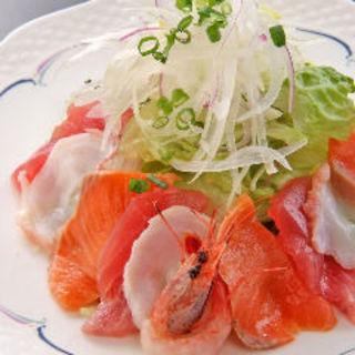 海鮮満腹サラダ(琥白 (Kohaku))