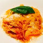 モッツアレラチーズのトマトソースパスタ