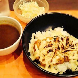 炙りチーズカツカレー(サリーズキッチン 六甲道店 )