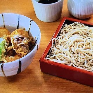 もり蕎麦と小海老天丼のセット(手打ち蕎麦 更科 よしき (てうちそば さらしな よしき))