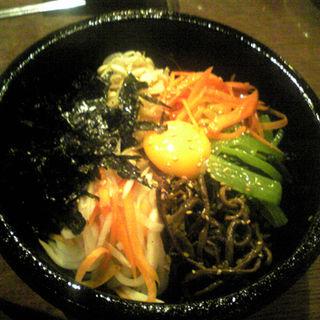 石焼ビビンパ(韓国料理ワンス)