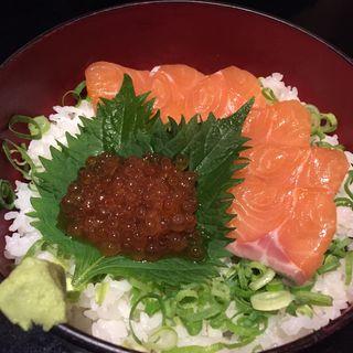 サーモンといくらの親子丼(さつま庵 (【旧店名】北のほたる))