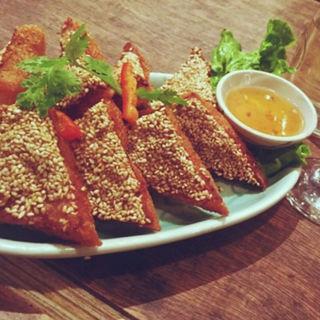 海老と豚挽き肉のすり身トースト(クルン・サイアム 六本木店 )
