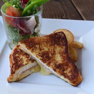 ハムとチーズのフレンチトーストセット(TOOTH TOOTHParadise Kitchen (トゥーストゥース パラダイスキッチン))