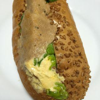 ツナ&オムレツ(幸せの100円パン職人 桂千代原口店 )