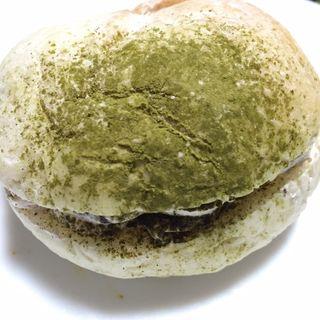 白パン(チョコチップクリーム)(幸せの100円パン職人 桂千代原口店 )
