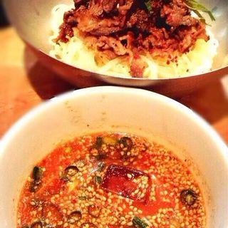 肉のせ冷やしつけ麺(ジンガ ドイス (ginga dois))