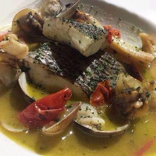 本日鮮魚のアクアパッツァ(KANADE BISTRO il Carneria )