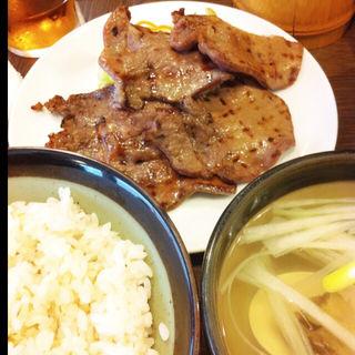 牛タン焼定食(たん 助六 )
